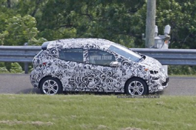 Chevrolet-Bolt-Prototype-Side-View.jpg