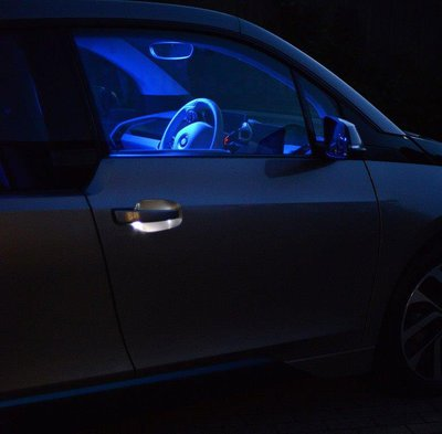 BMWi3-door-handle-light.jpg