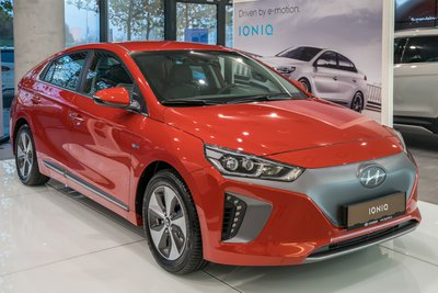 ioniq-electric (1).jpg