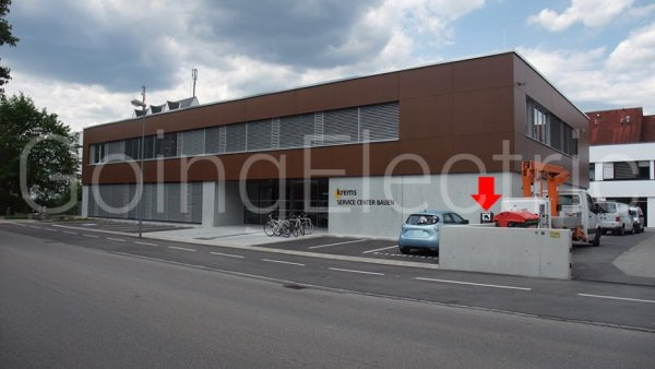 Photo 0 Service Center Bauen