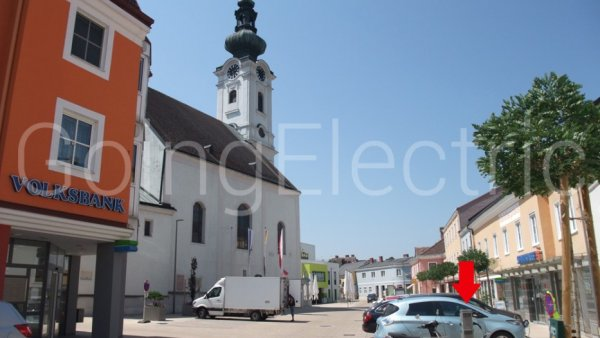 Photo 4 Kirchenplatz