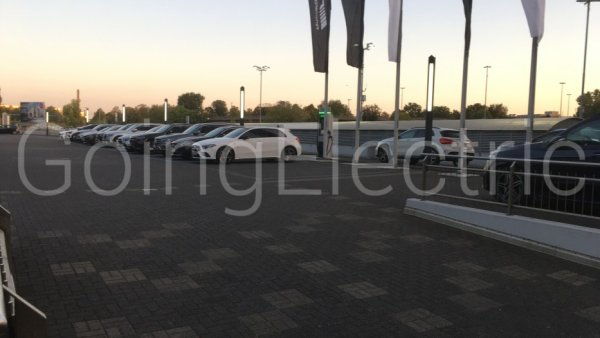 Photo 1 Chargepoint Mercedes-Benz Rhein-Ruhr