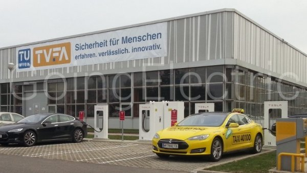 Photo 0 Tesla Supercharger Service Center