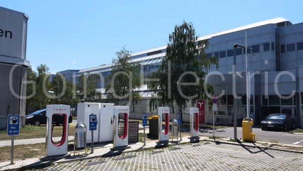 Photo 1 Tesla Supercharger Service Center