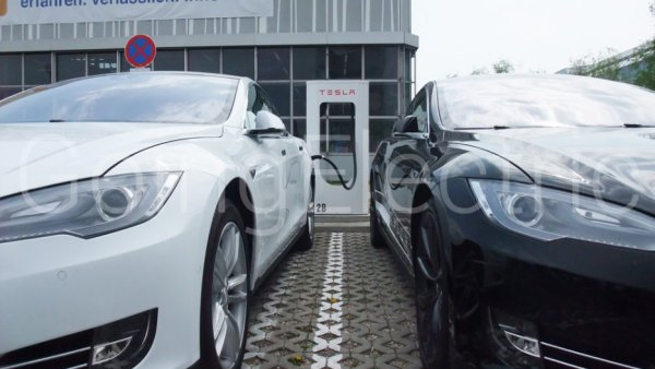 Photo 7 Tesla Supercharger Service Center