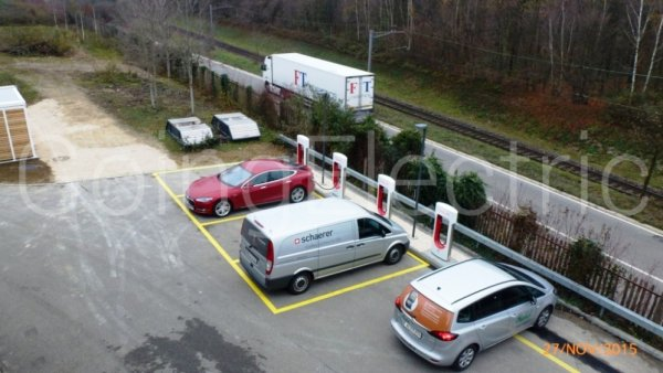 Photo 0 Tesla Supercharger