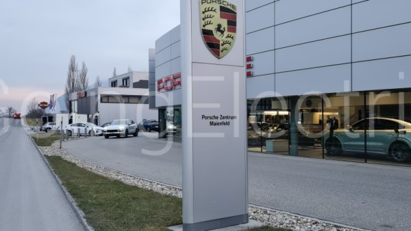 Photo 2 Porsche Zentrum