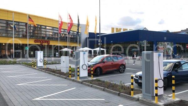 Ladesaule Ikea Tempelhof Berlin Deutschland 20666