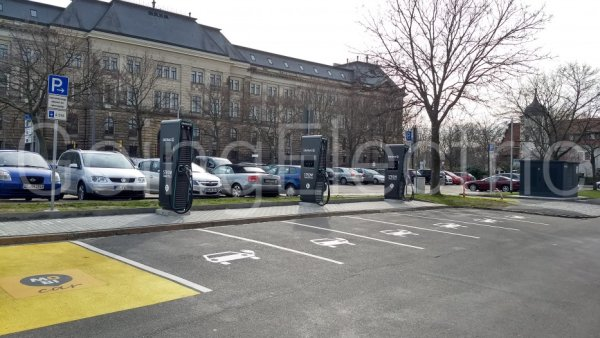 Photo 1 Sarrasaniparkplatz