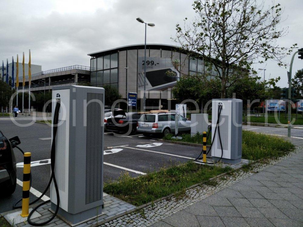 Ladesaule Ikea Spandau Berlin Deutschland 20250