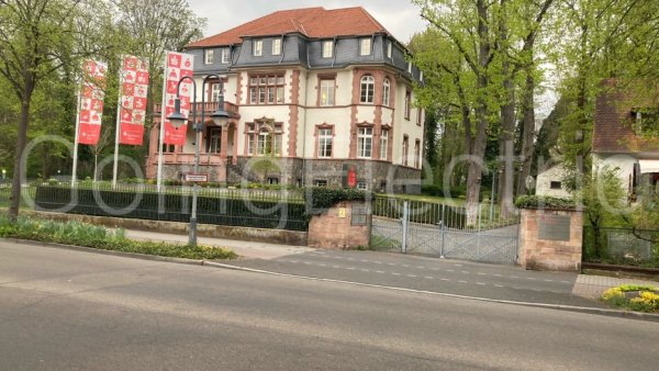 Photo 1 Sparkassen-Villa
