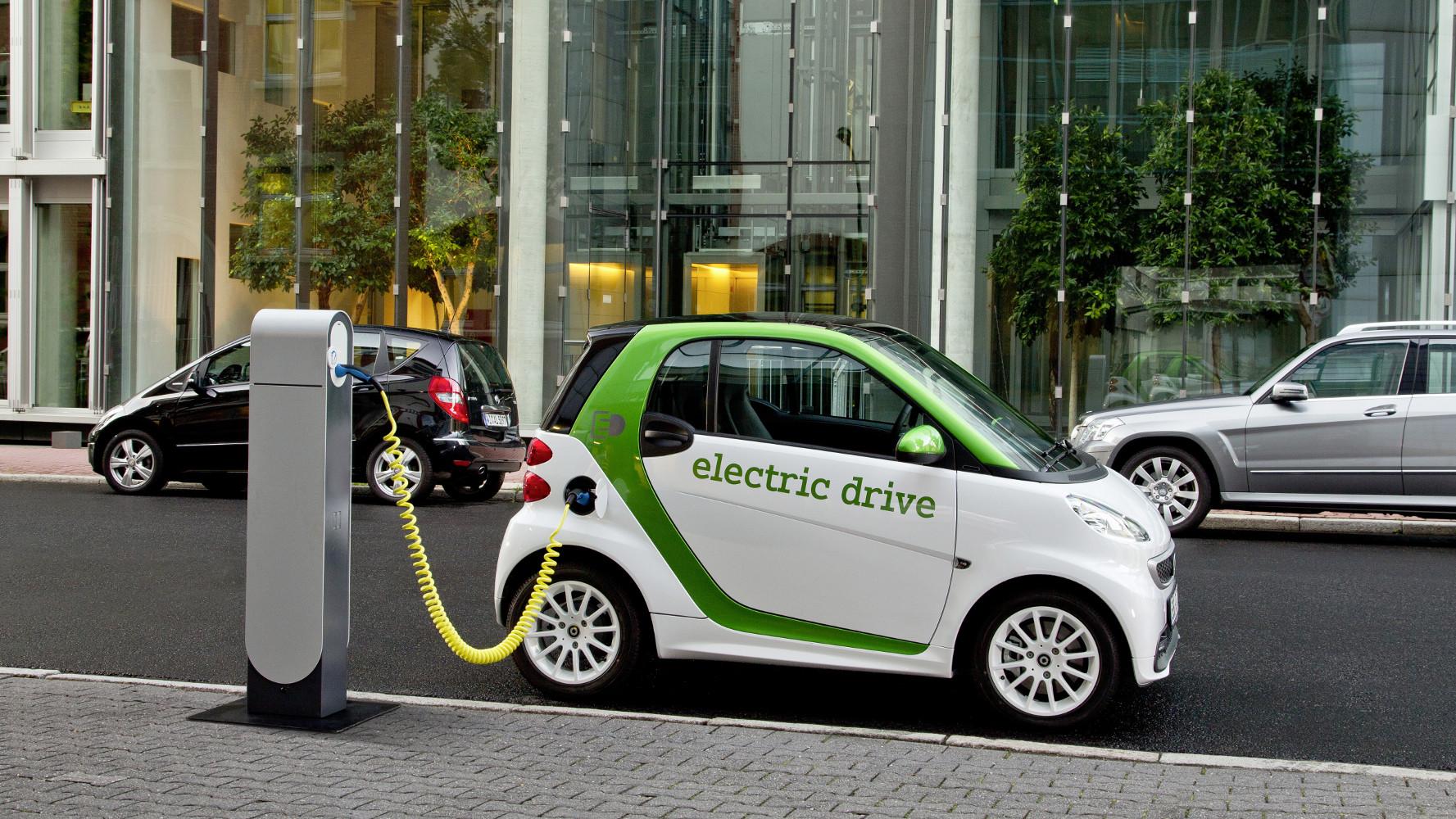 1,8 Millionen Elektrofahrzeuge in 2020