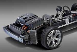 Der Vierzylinder Range-Extender soll gegen einen Drezylinder ausgetauscht werden.