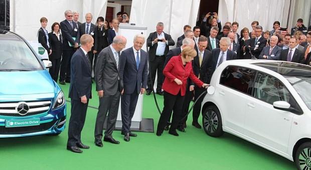 """Electromobility Summit Berlin 2013 - Angela Merkel"" Foto: Rudolf Simon -"