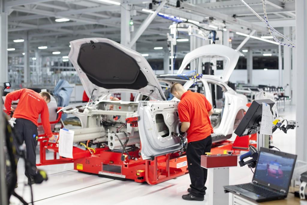 Tesla Model S Zusammenbau