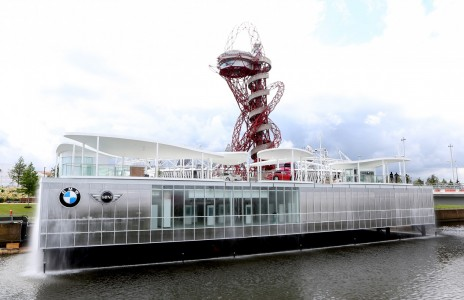 BMW enthüllt Olympia Park Pavillon in London