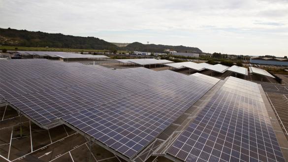 Renault nimmt größte Photovoltaikanlage der Automobilindustrie in Betrieb