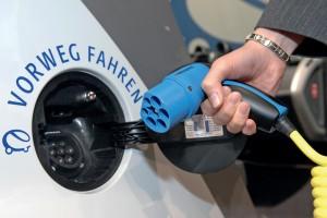 RWE und Tank & Rast bieten ultraschnelles Stromladen an der Autobahn