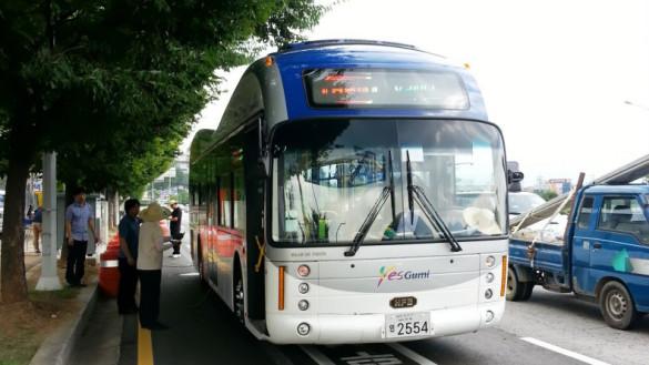 Elektrobus mit induktiver Ladung in Südkorea im Testbetrieb