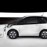 Toyota iQ EV Seite Laden