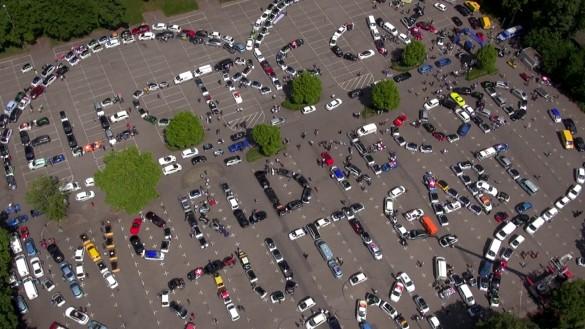 Weltrekord-Parade für Elektroautos in Stuttgart