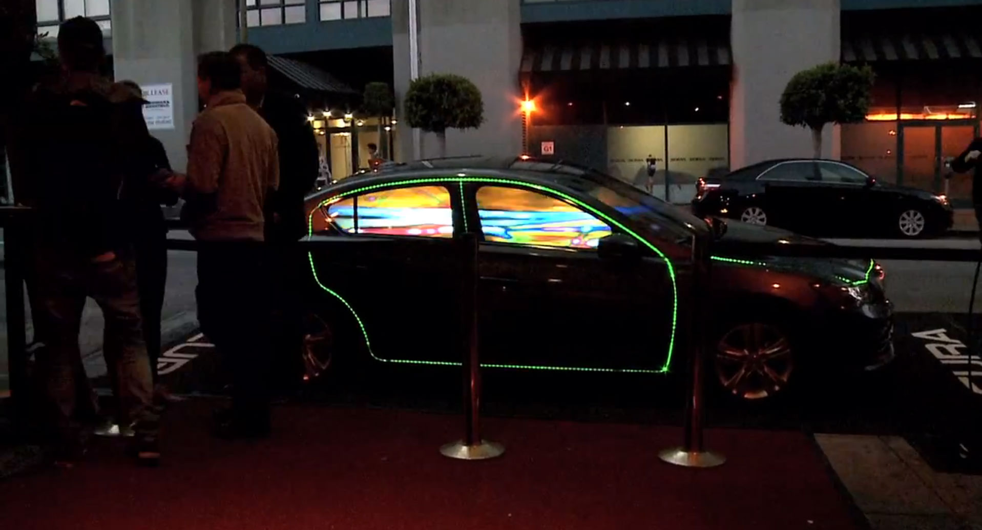 Acura ILX Hybrid LED-Show [Video]