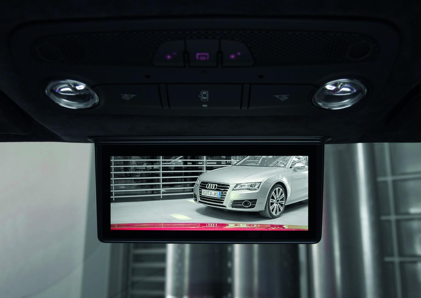 Audi R8 e-tron mit digitalem Innenspiegel