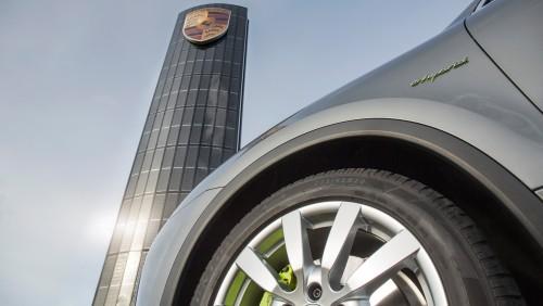Porsche tankt Sonne